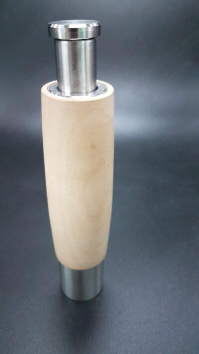 One hand Pepermolen.15cm hoog van Essen hout